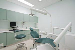 רפואת שיניים בגיל השלישי