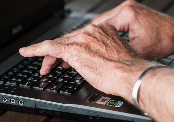 6  מוצרים מעלי אקספרס שמתאימים לקשישים