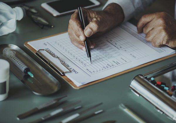 מה כדאי לבדוק כשחותמים על ביטוח מחלות קשות?