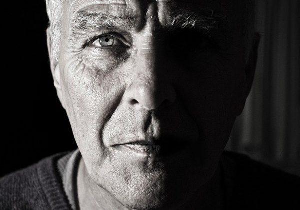 אל תשליכני לעת זקנה: איך להתמודד עם מחשבות על המוות בהגיענו לגיל השלישי?